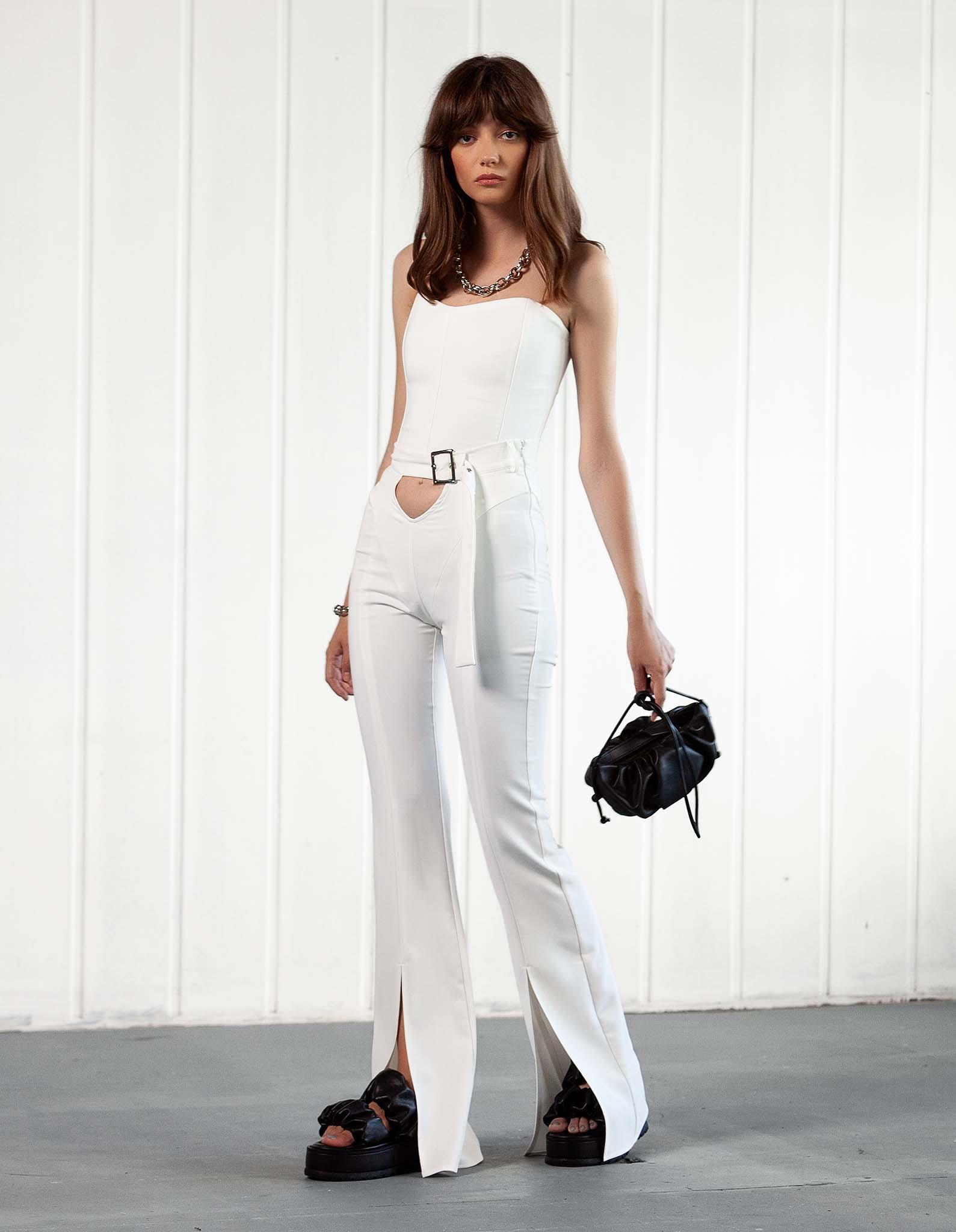 Pantalon alb decupat L.A. BABE